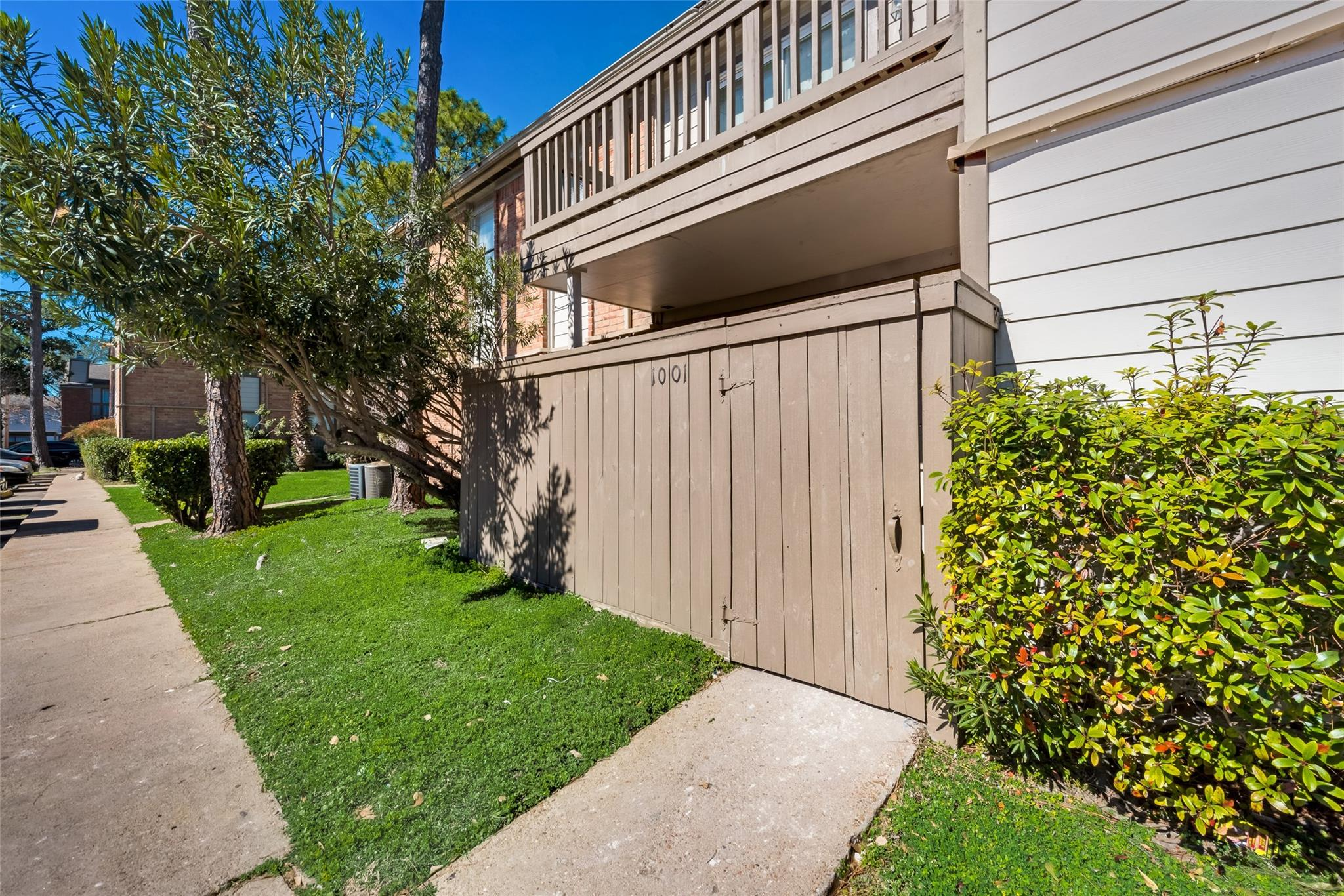 77036 Real Estate Listings Main Image