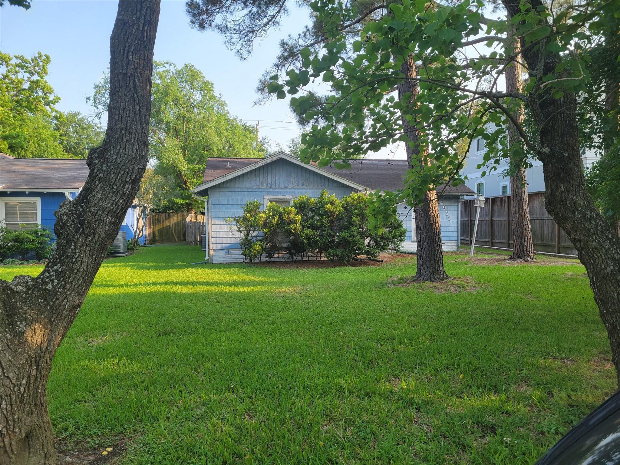 4921 Chestnut Street Property Photo 1