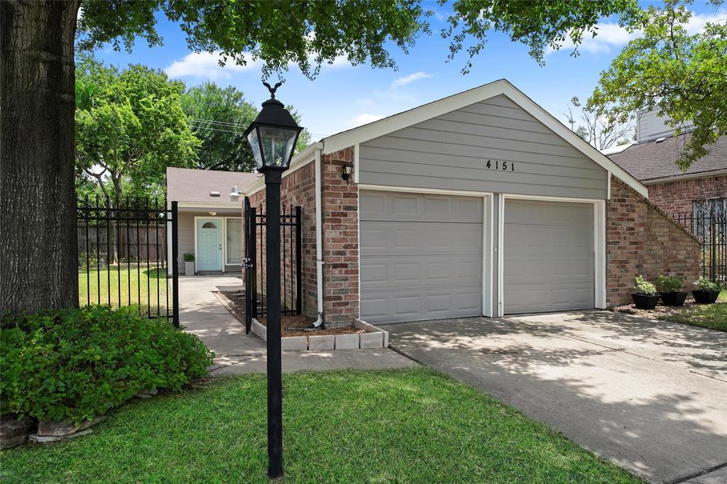 4151 Wildacres Drive Property Photo - Houston, TX real estate listing