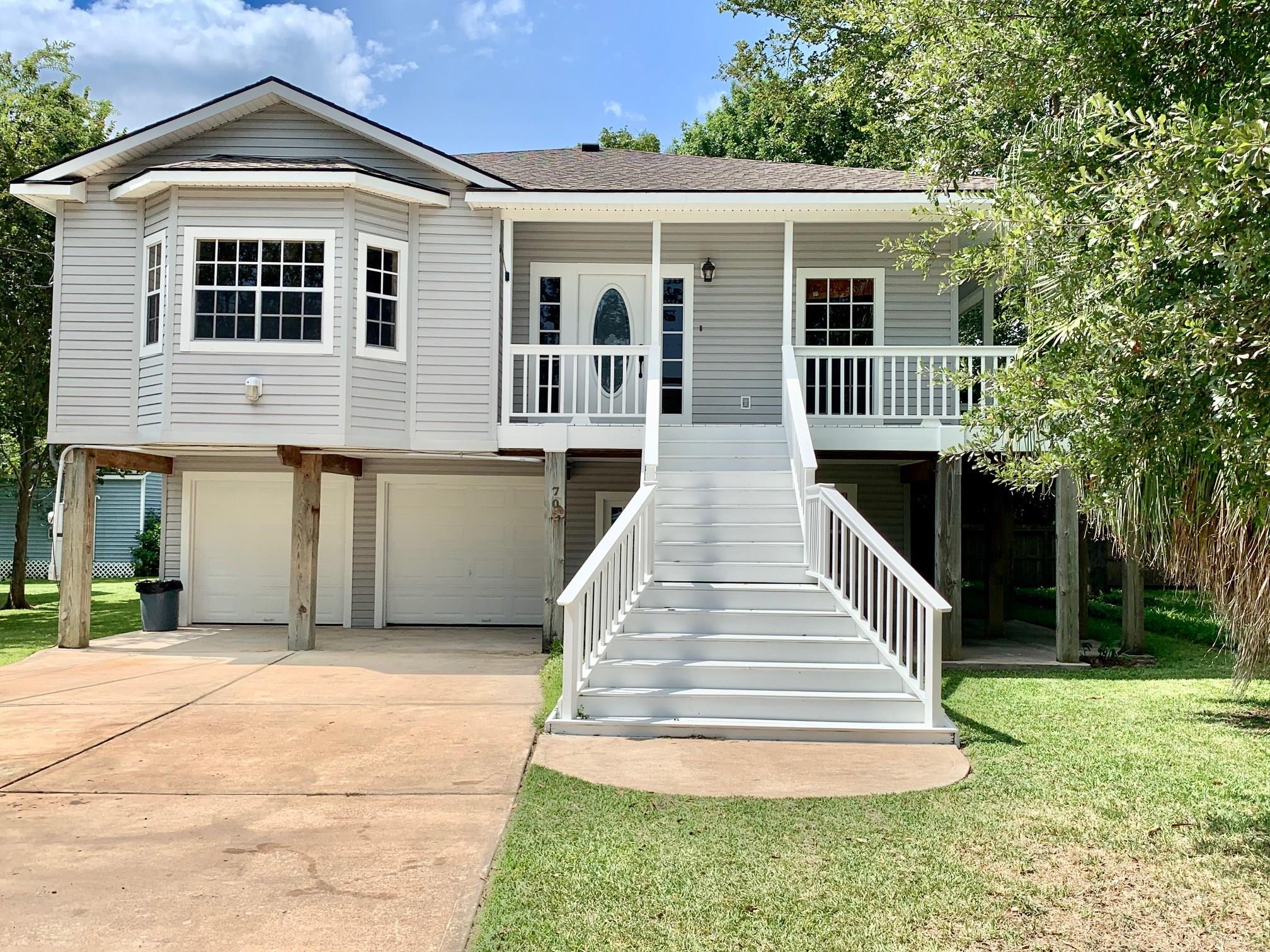 702 Oak Road Property Photo - Clear Lake Shores, TX real estate listing