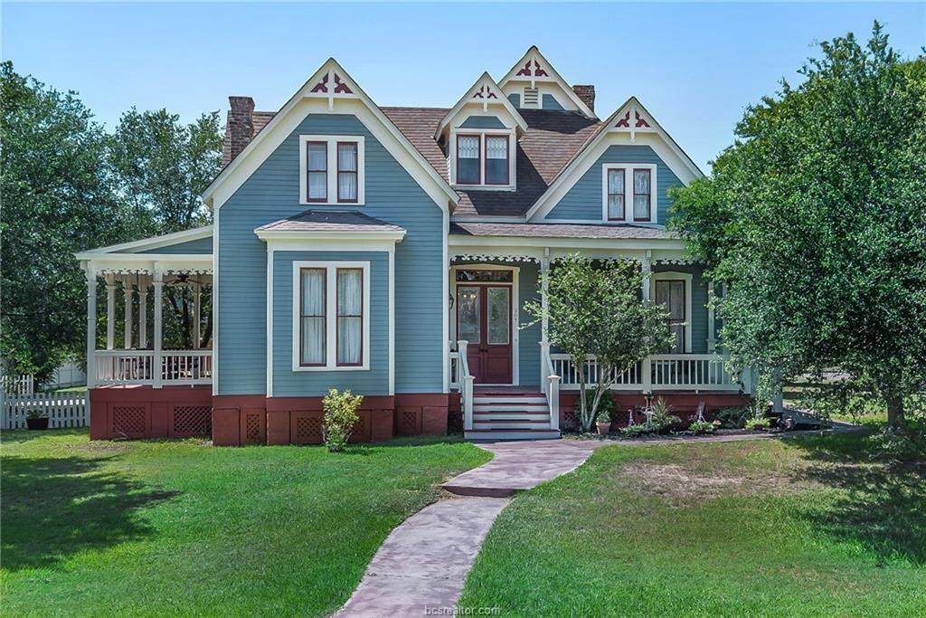 207 E Texas Street Property Photo - Calvert, TX real estate listing