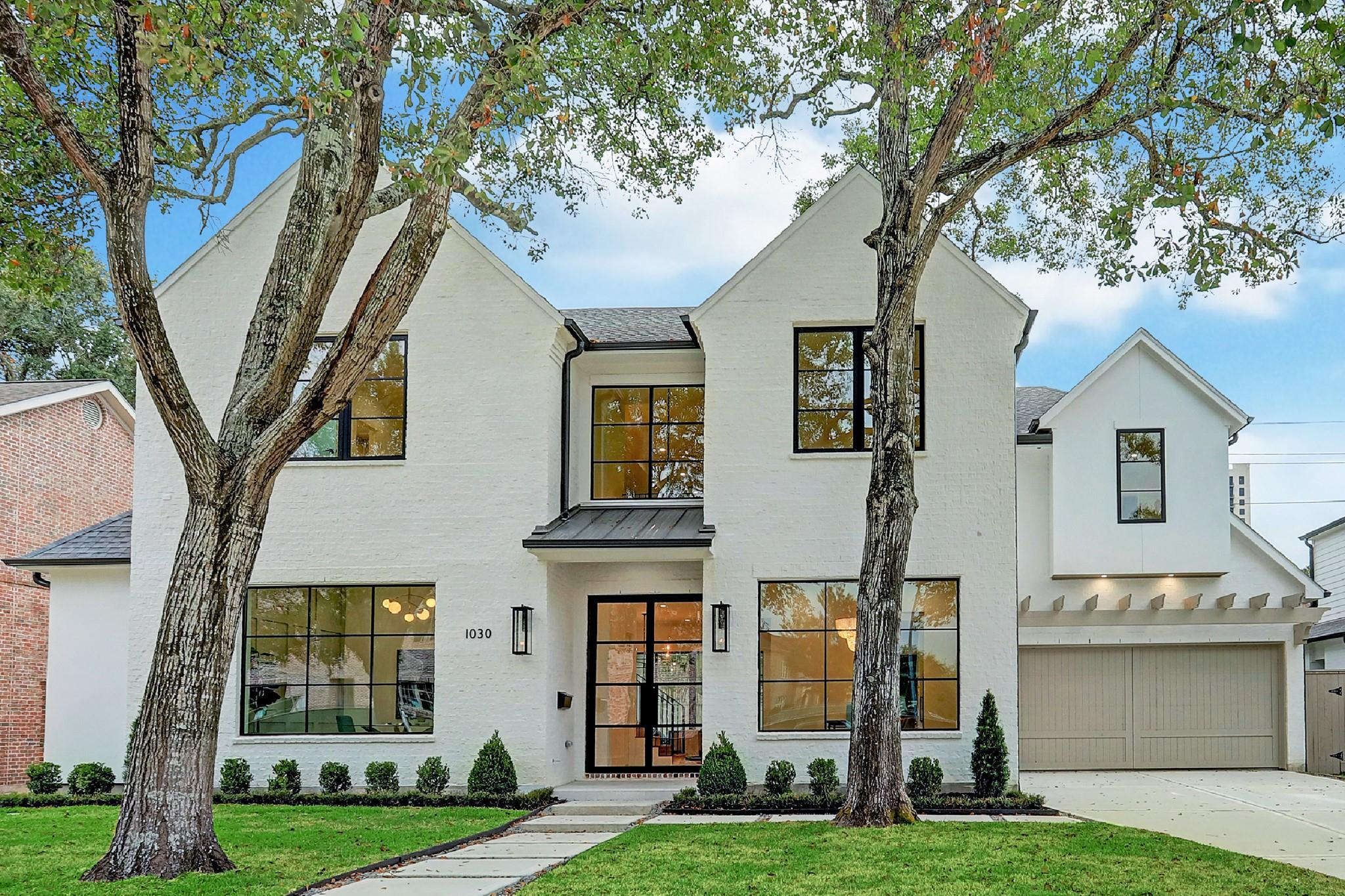 1030 Briar Ridge Drive Property Photo - Houston, TX real estate listing