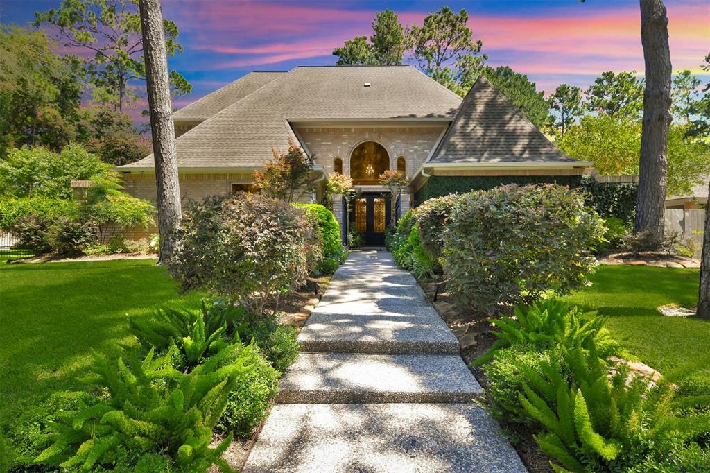 1410 Chestnut Grove Lane Property Photo - Kingwood, TX real estate listing