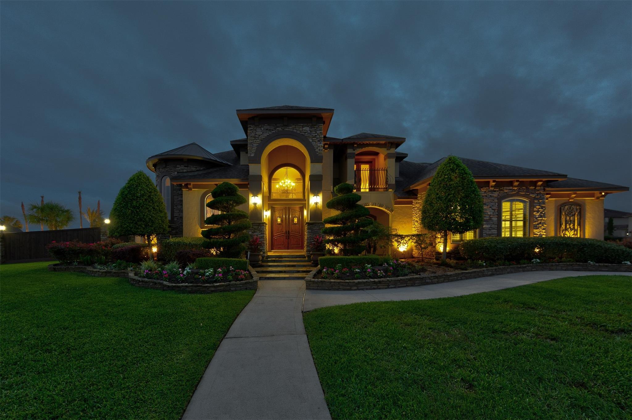 6602 S Oak Avenue Property Photo