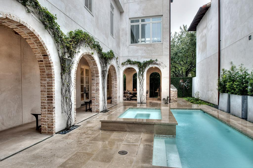 1119 Berthea Property Photo - Houston, TX real estate listing