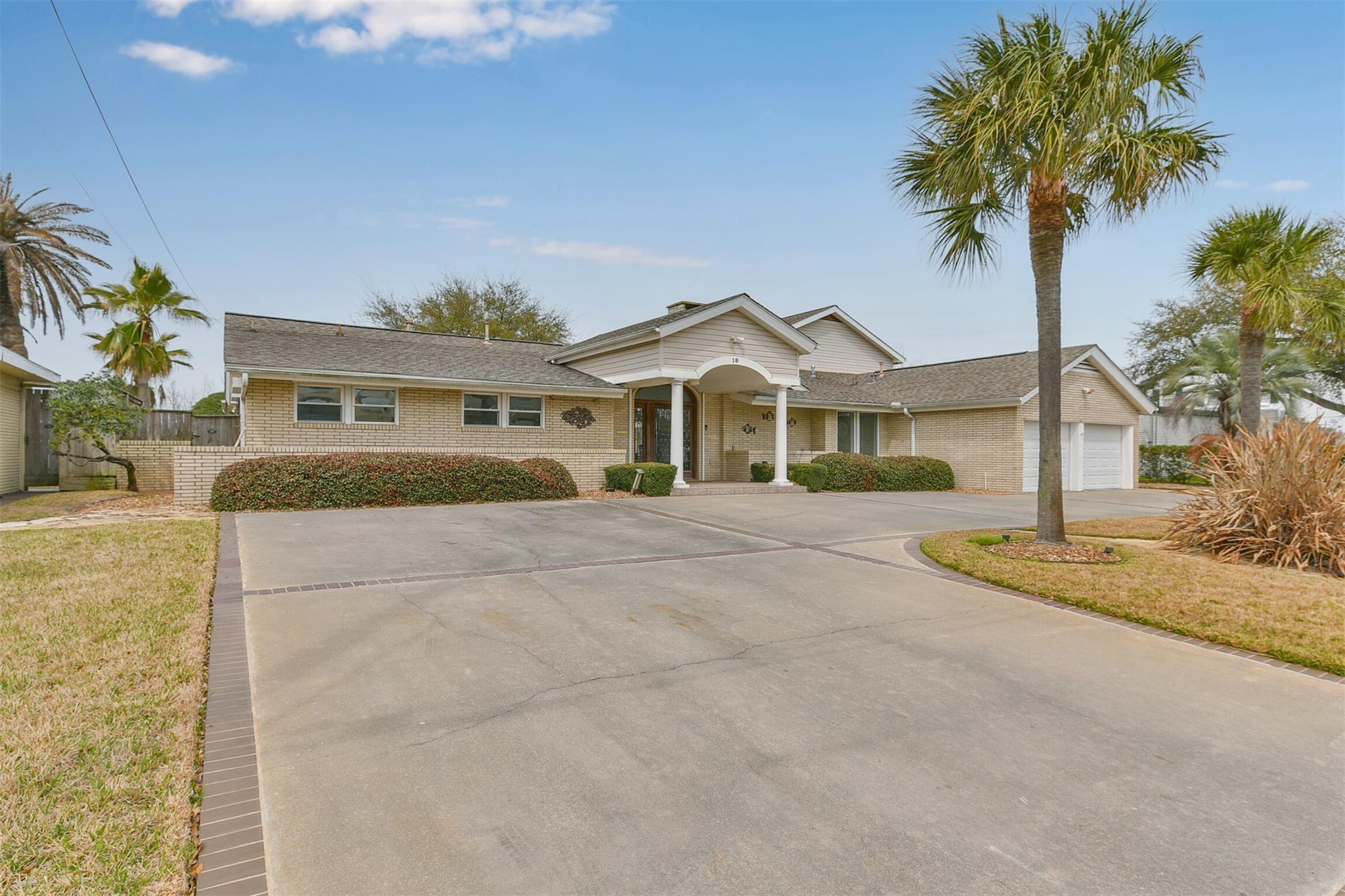 18 S Shore Drive Property Photo