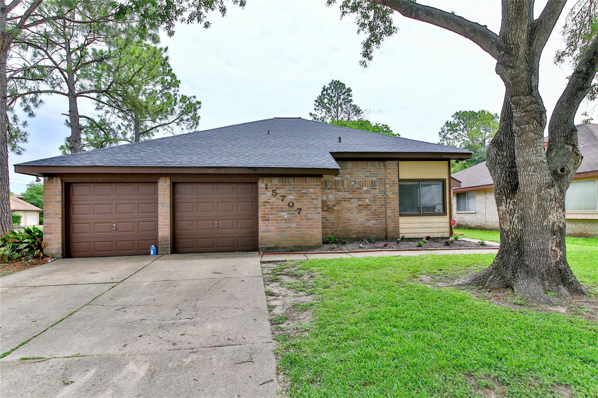 15707 Roxton Ridge Drive Property Photo