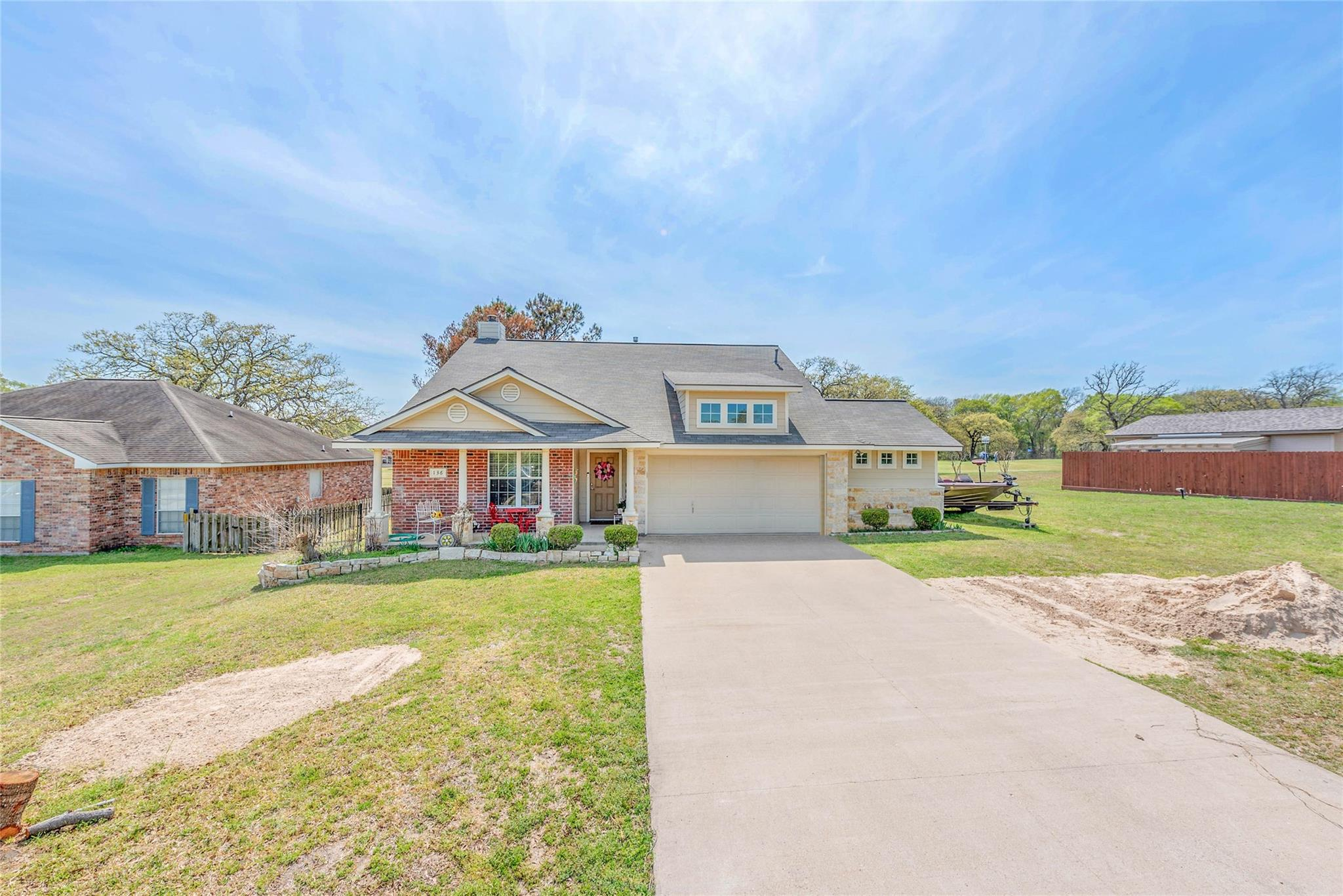 136 Golf Club Drive Property Photo - Hilltop Lakes, TX real estate listing
