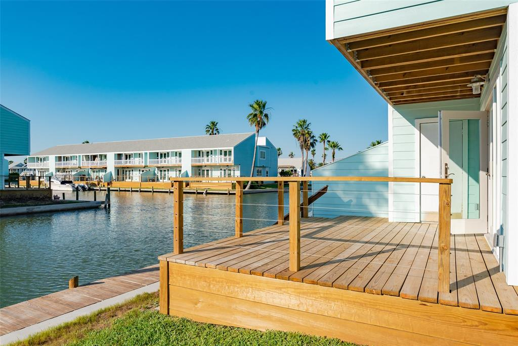 1406 Mazatlan Drive Property Photo - Rockport, TX real estate listing