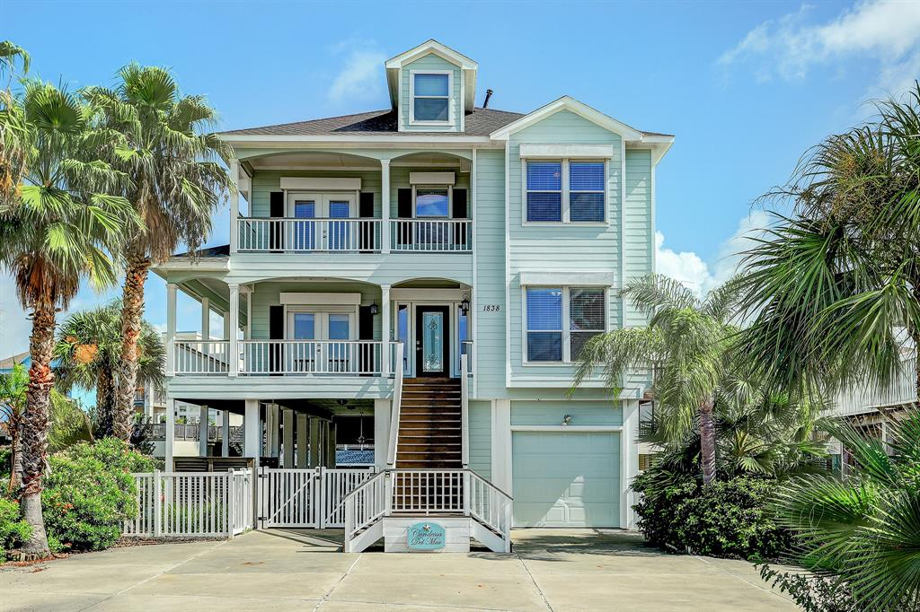 1838 Port O'Call Property Photo - Tiki Island, TX real estate listing