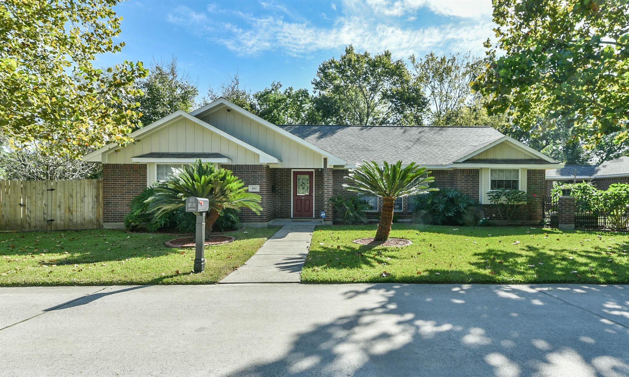 105 4th Street Property Photo - South Houston, TX real estate listing