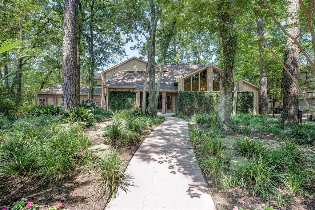 110 Lakeside Oaks Drive Property Photo - Houston, TX real estate listing