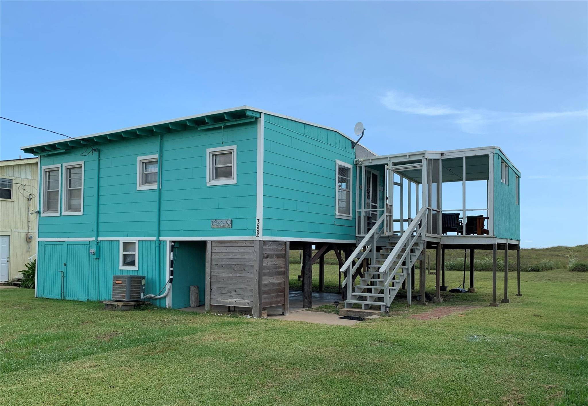 382 Beachfront Drive Property Photo - Matagorda, TX real estate listing