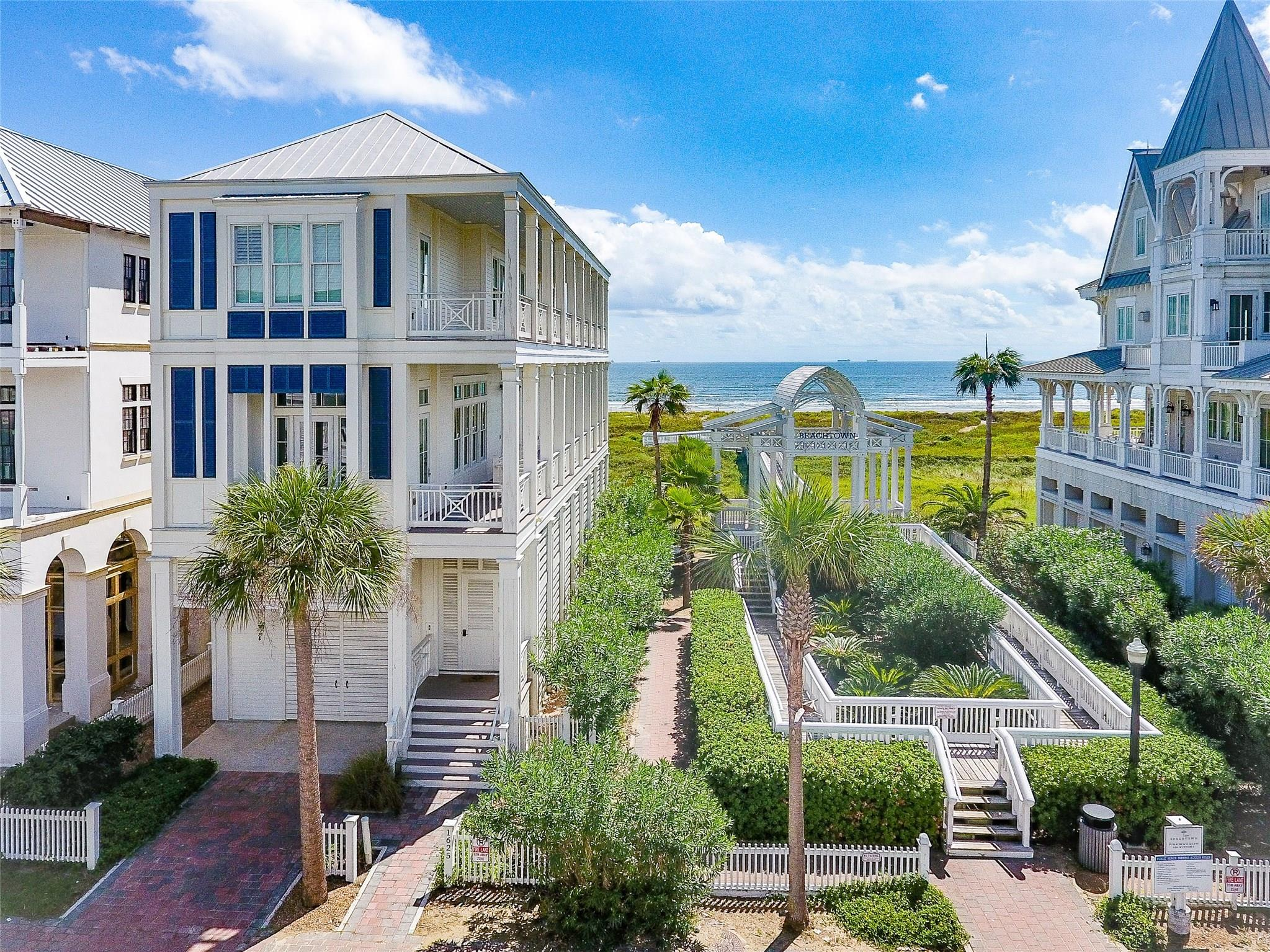 1625 Seaside Drive Property Photo - Galveston, TX real estate listing
