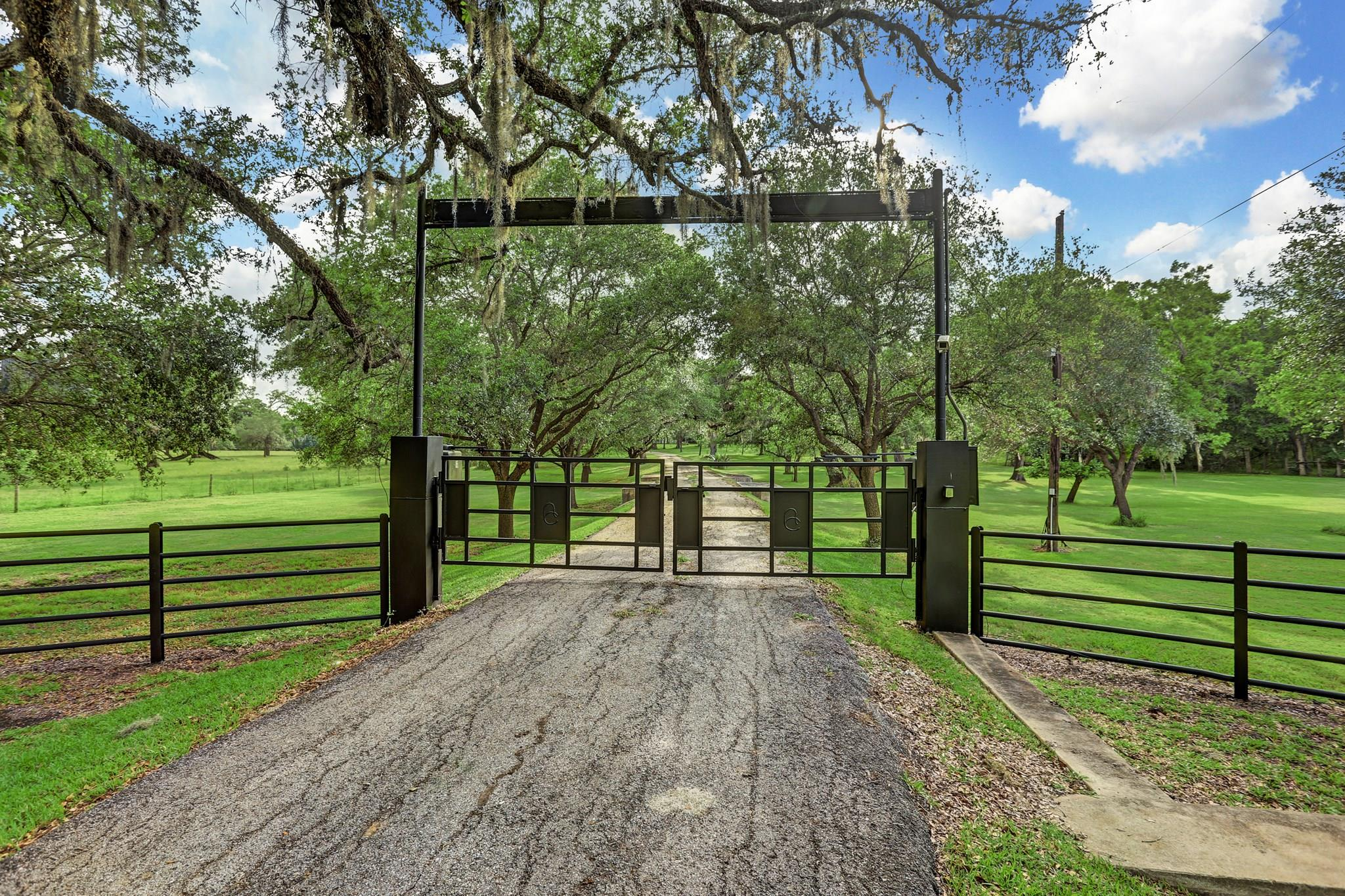 558 County Road 875 Property Photo - West Columbia, TX real estate listing
