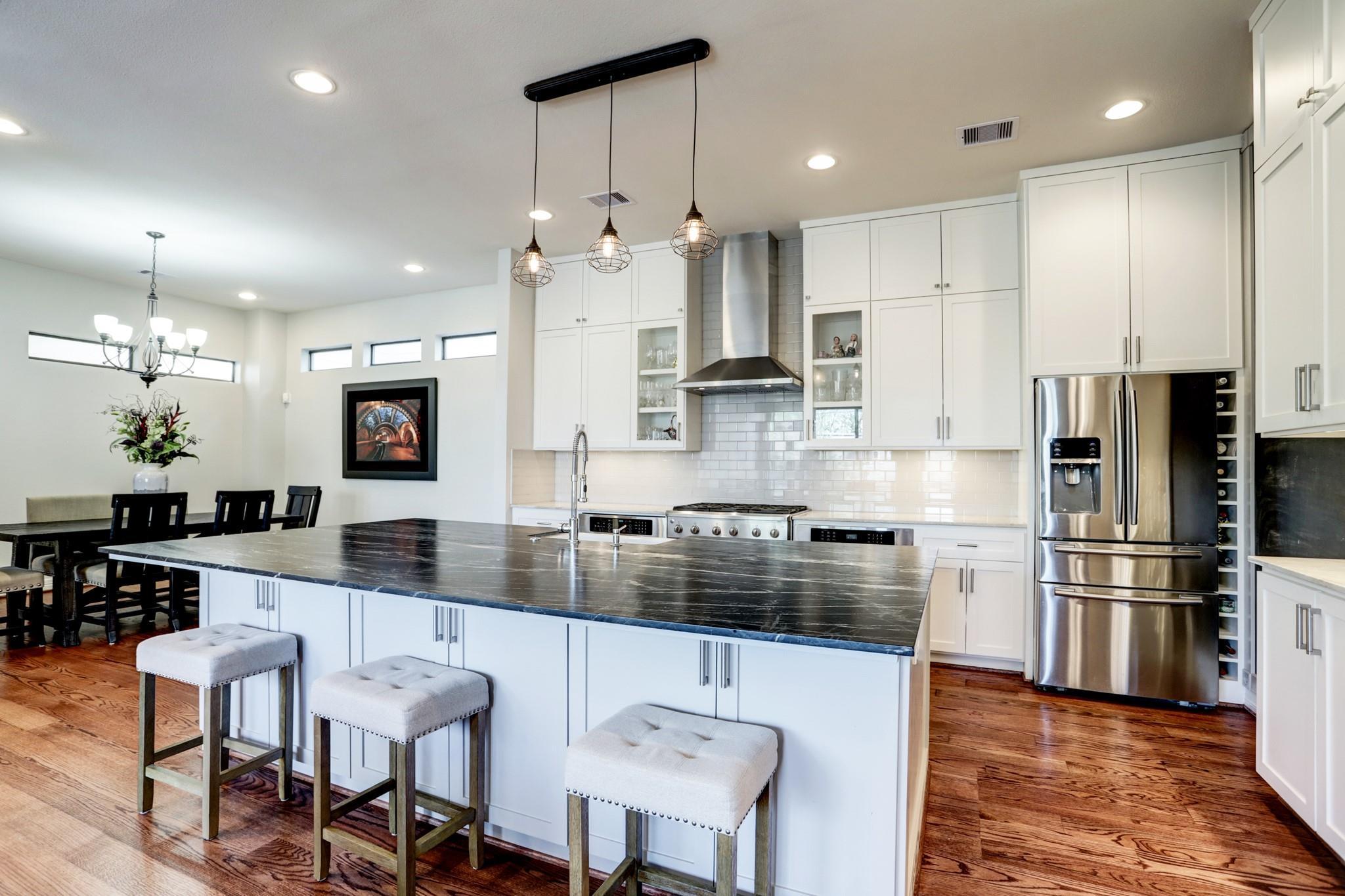 A & K Custom Hmsolive Street Real Estate Listings Main Image