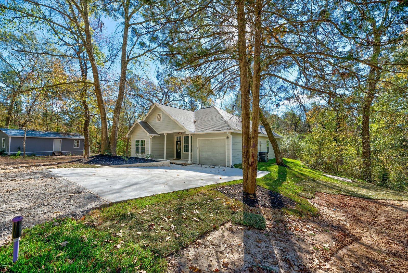 93 Circle Oak Street Property Photo - Point Blank, TX real estate listing