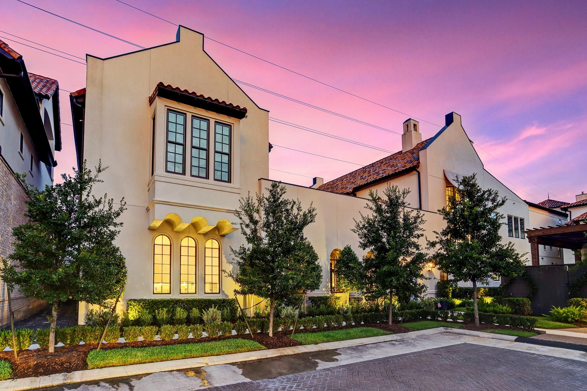 1104 Mosaico Lane Property Photo - Houston, TX real estate listing