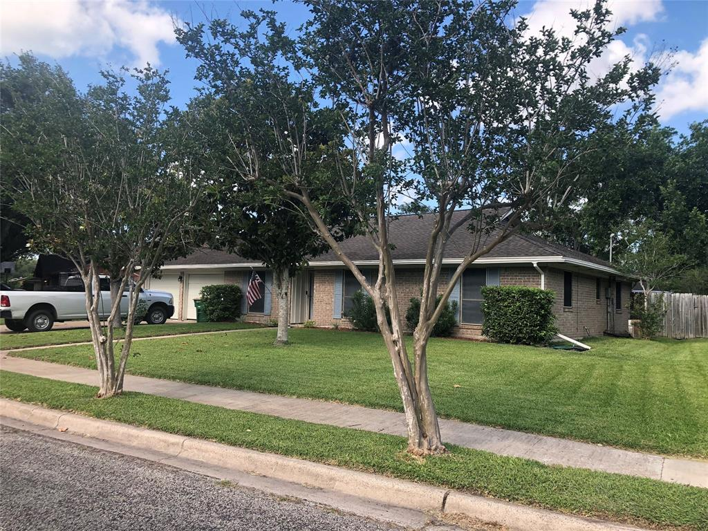 512 Maplewood Drive, Victoria, TX 77901 - Victoria, TX real estate listing