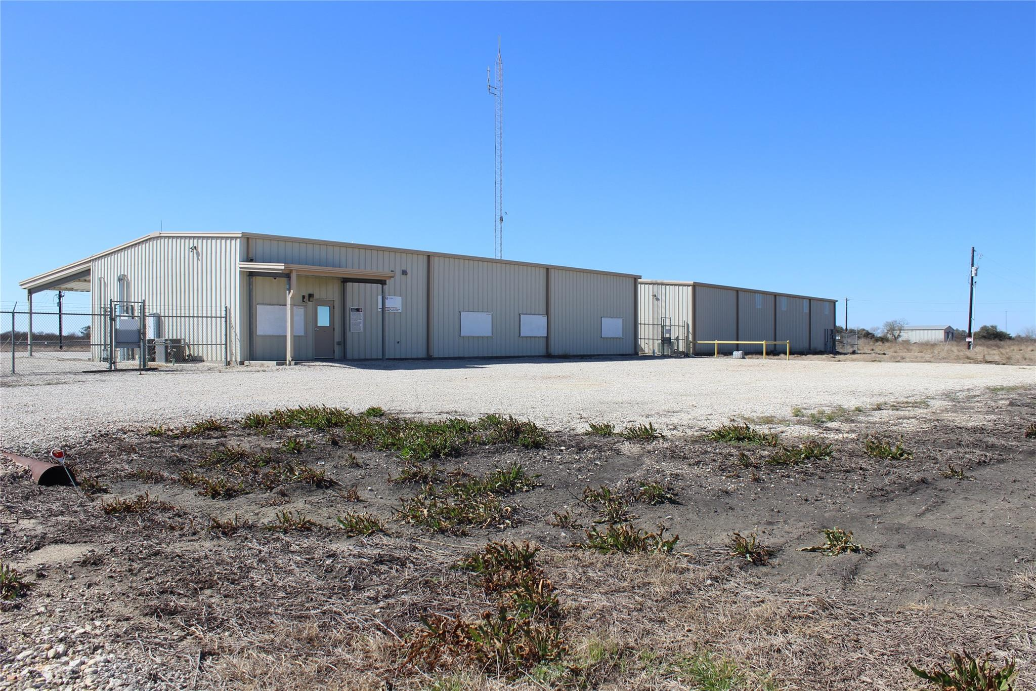 190 County Road 305 Property Photo - Edna, TX real estate listing