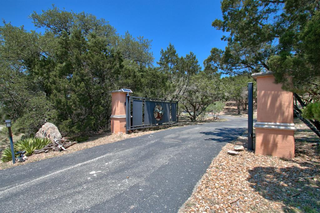 1564 Crossbow Drive Property Photo - Canyon Lake, TX real estate listing