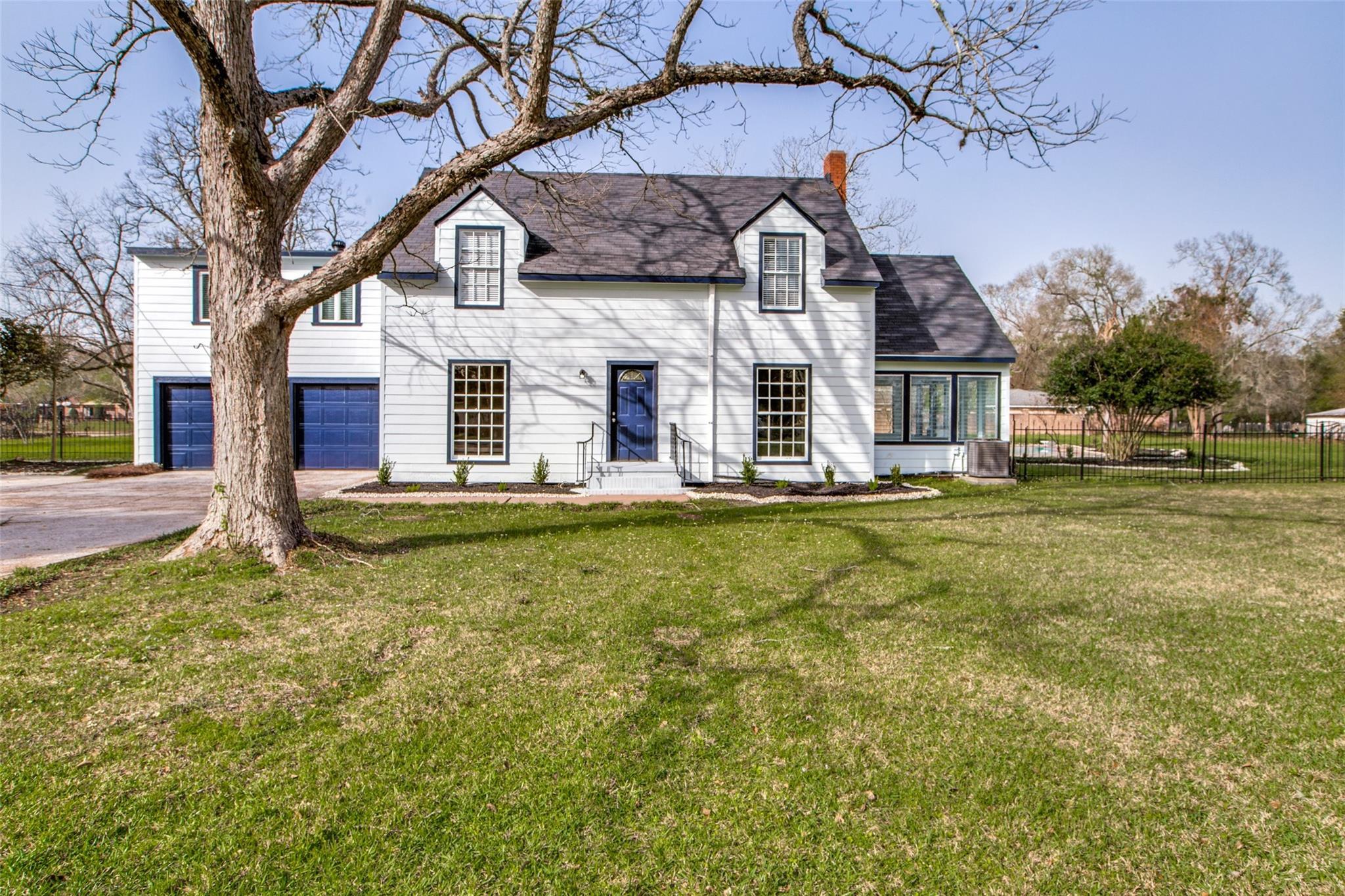 1316 E James Street Property Photo