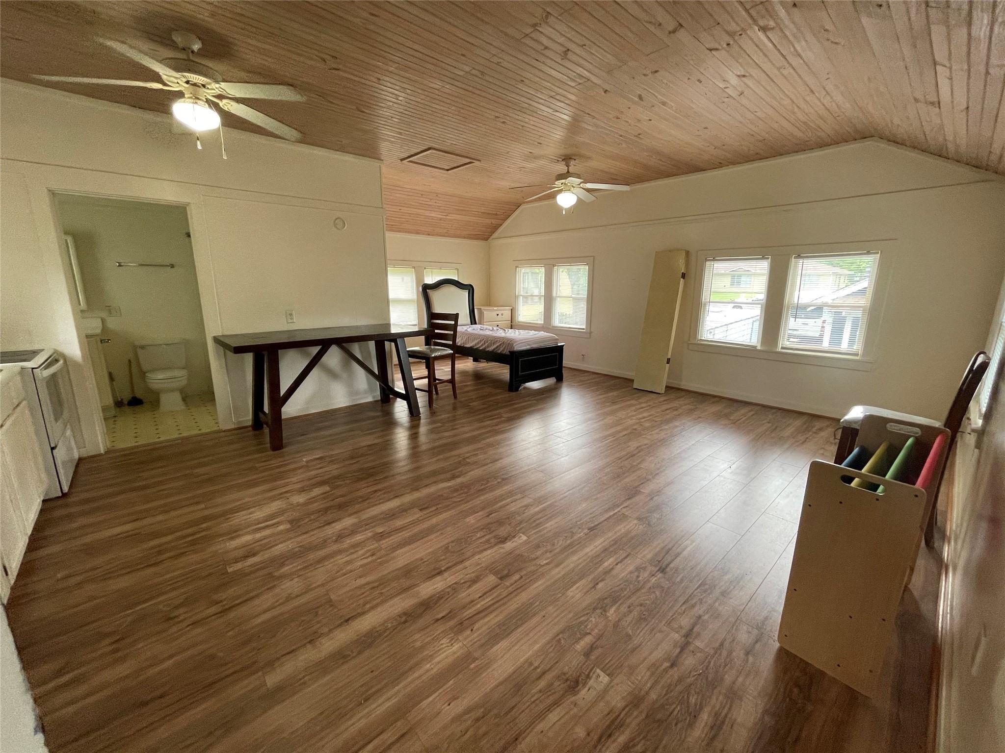 306 W Bryan Street Property Photo