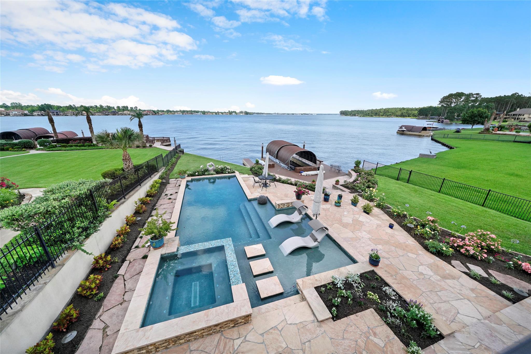 11314 Harbor Breeze Drive Property Photo 1