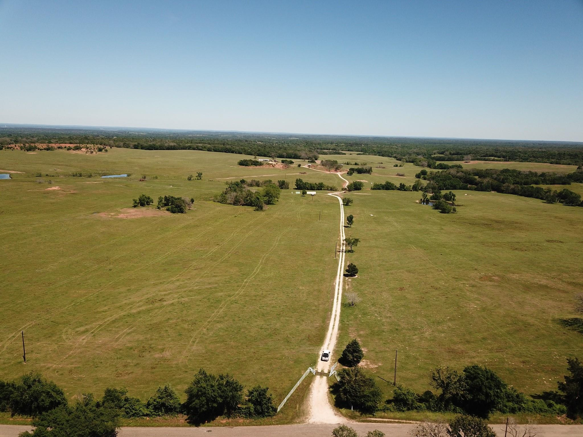 1355 FCR 240 Property Photo - Fairfield, TX real estate listing