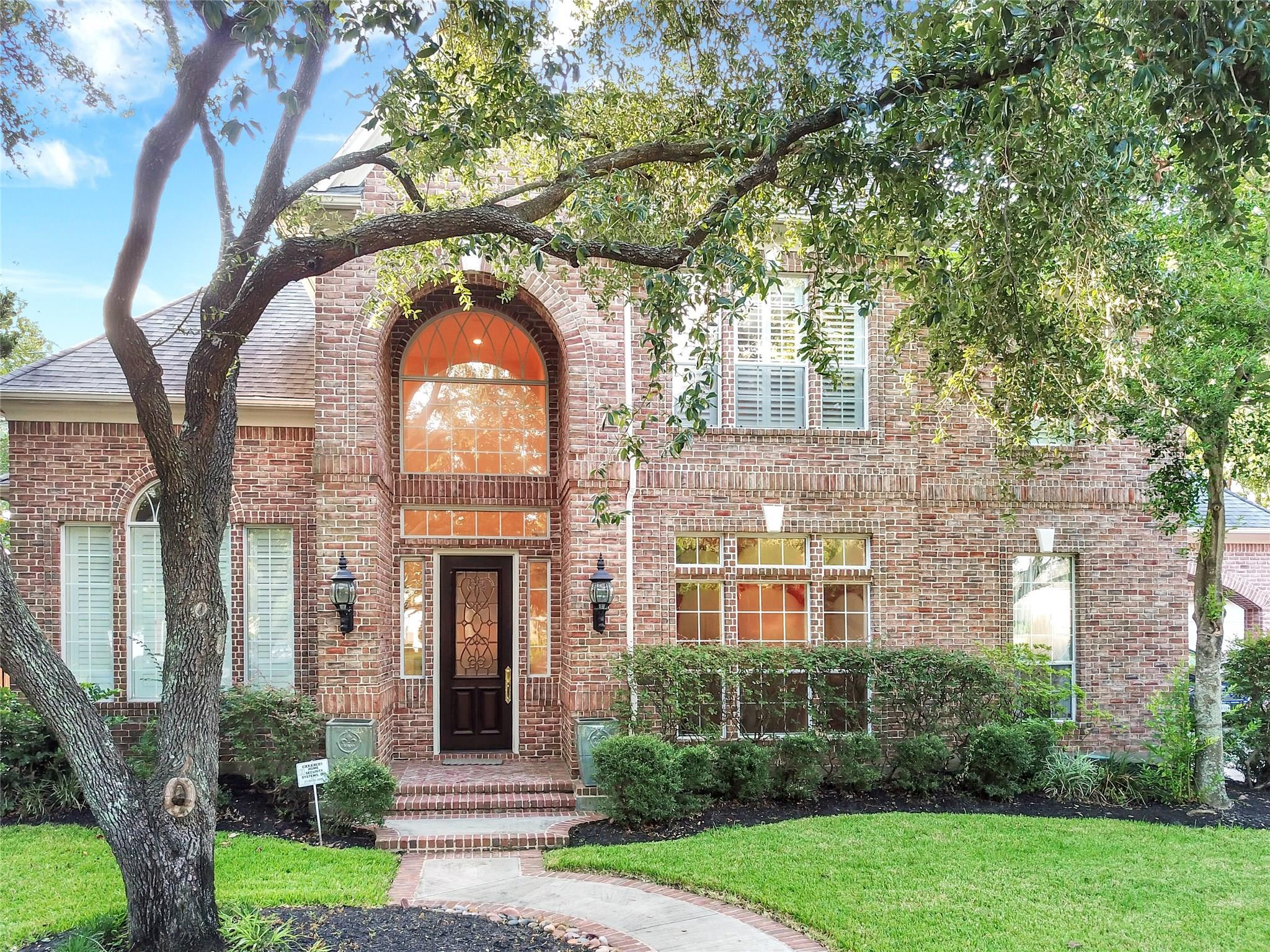 8605 Red Pheasant Court NE Property Photo - Jersey Village, TX real estate listing