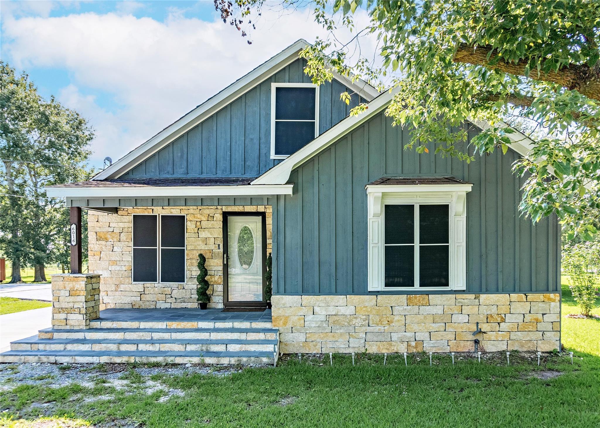 6016 Jade Avenue Property Photo