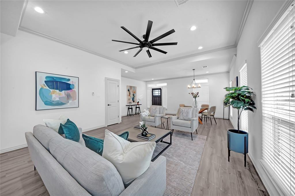 4202 Sterling Street Property Photo - Houston, TX real estate listing