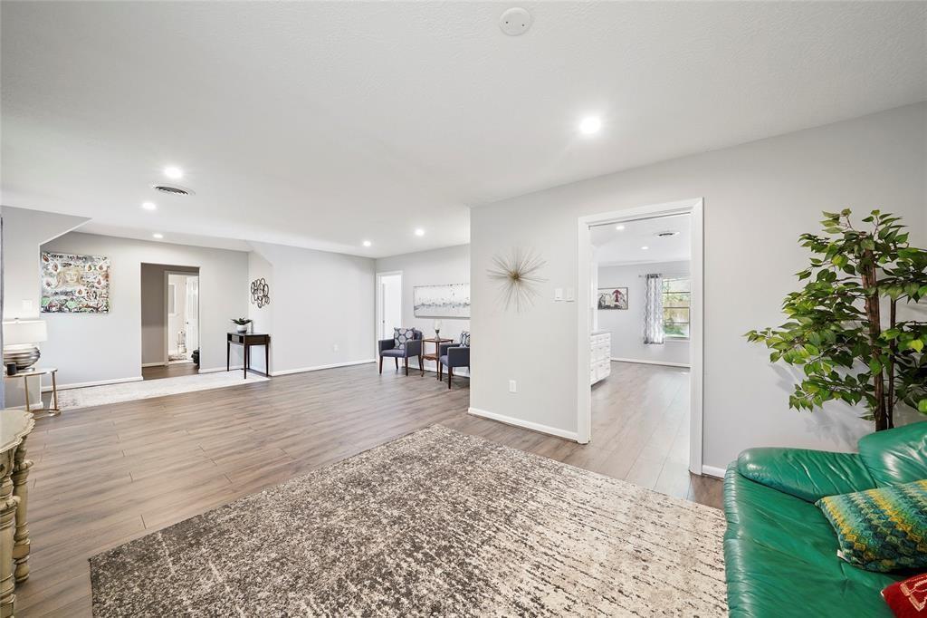 211 Pine Shadow Drive, Conroe, TX 77301 - Conroe, TX real estate listing