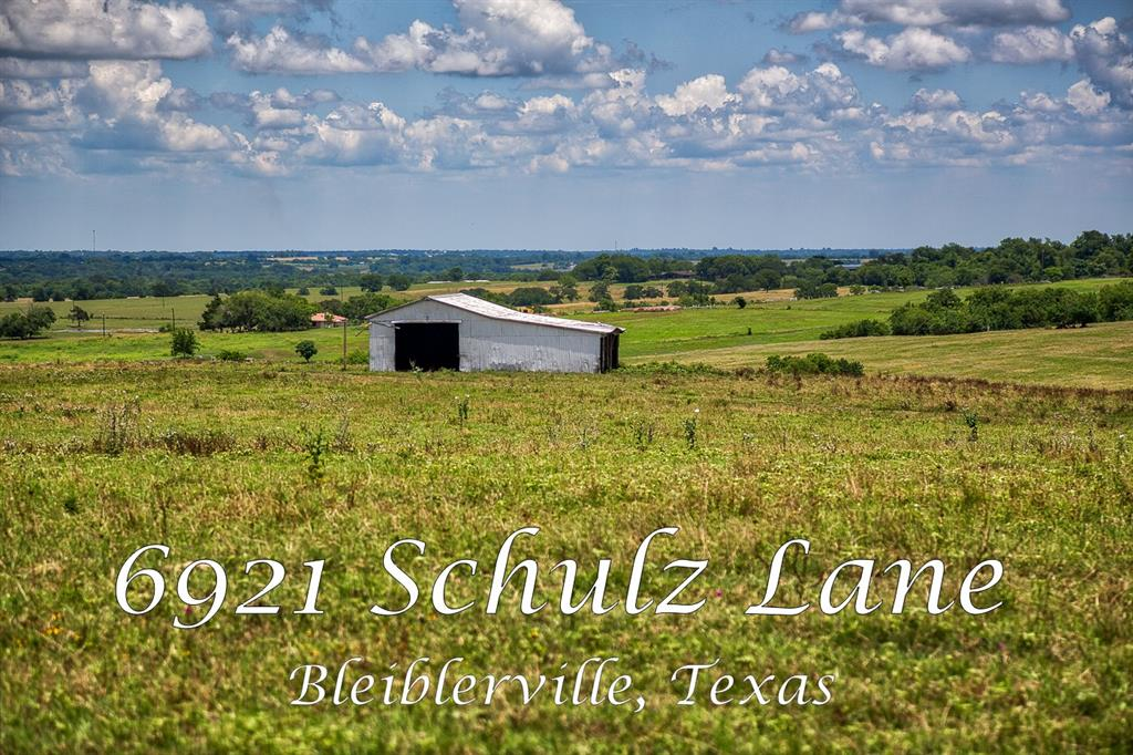 6921 Schulz Road Property Photo - Bleiblerville, TX real estate listing