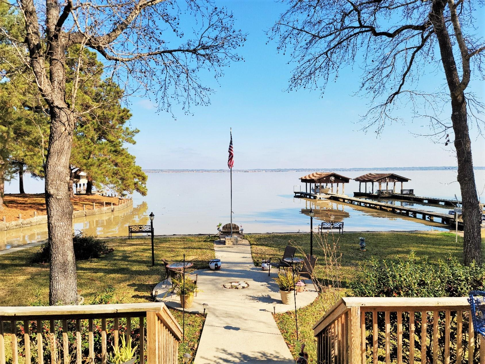 10 N Lafitte Lookout Drive Property Photo - Point Blank, TX real estate listing