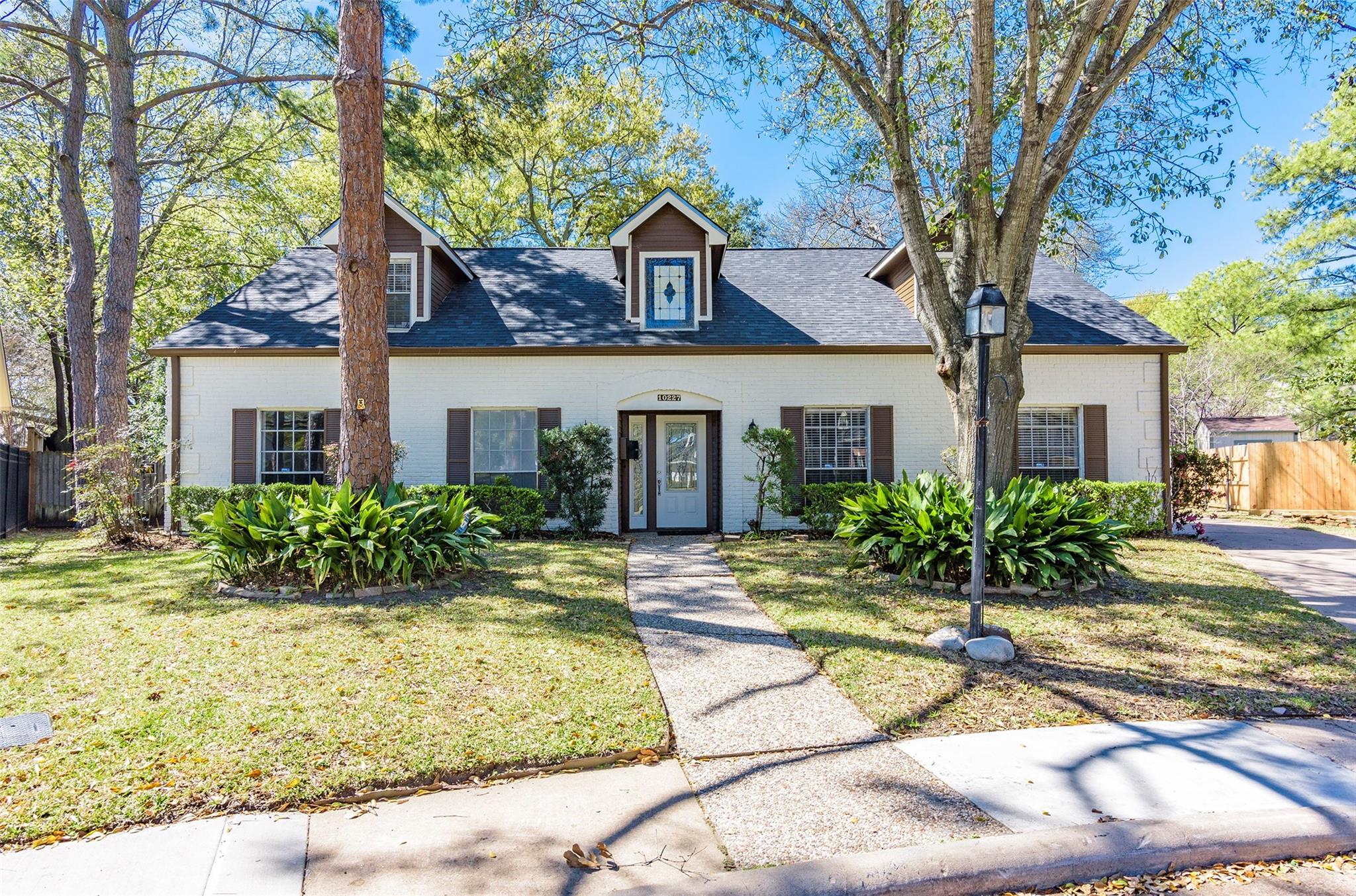 10227 Del Monte Drive Property Photo 1
