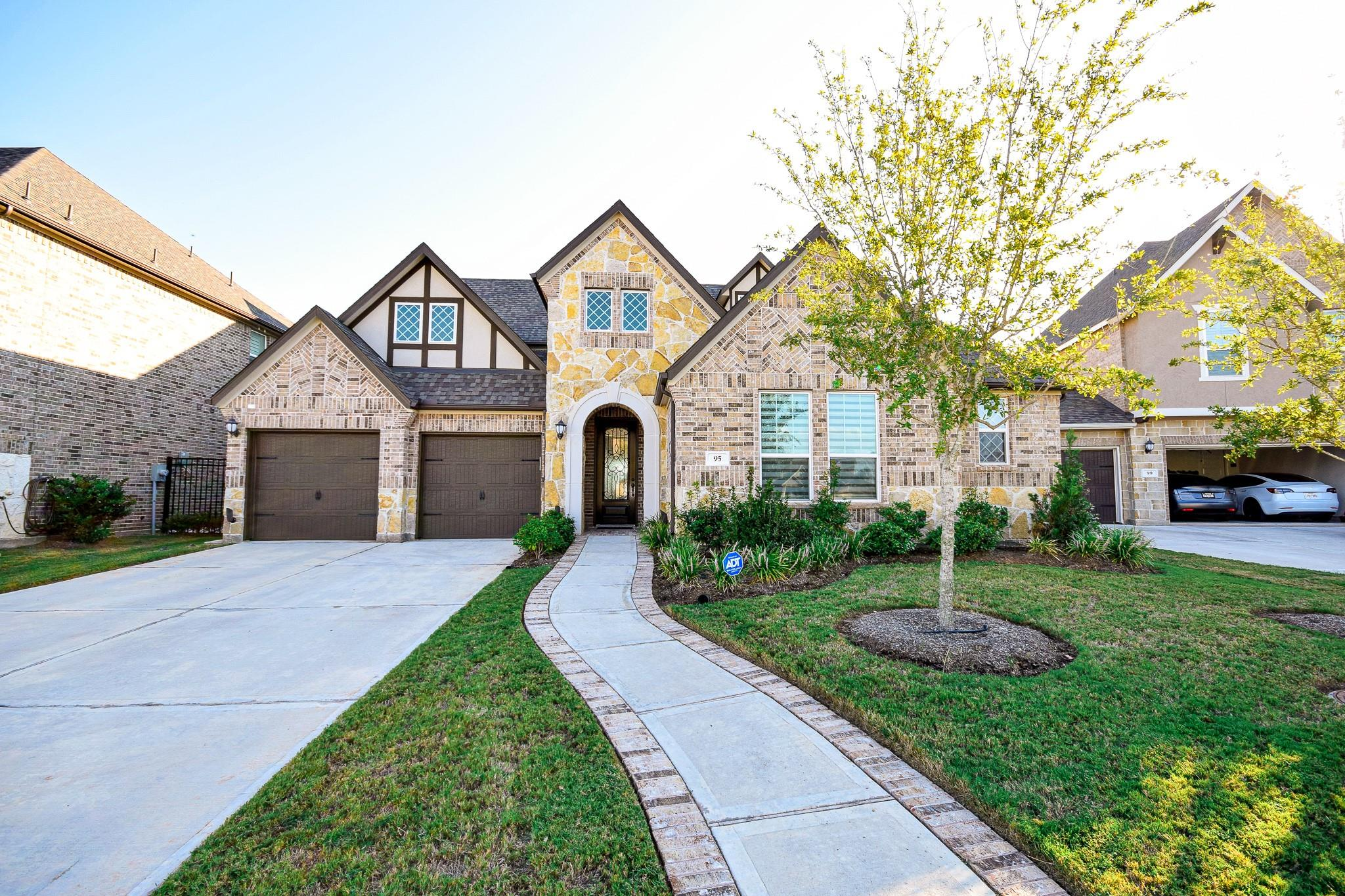 95 Scepter Run Property Photo - Sugar Land, TX real estate listing