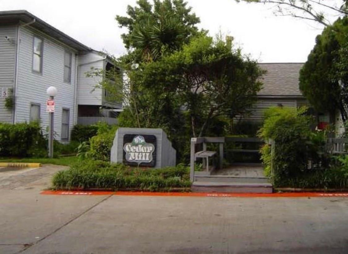 7200 Clarewood Drive Property Photo
