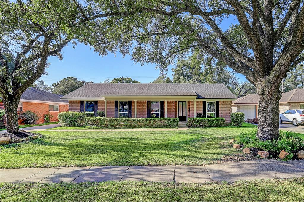 4510 Willowbend Boulevard Property Photo - Houston, TX real estate listing