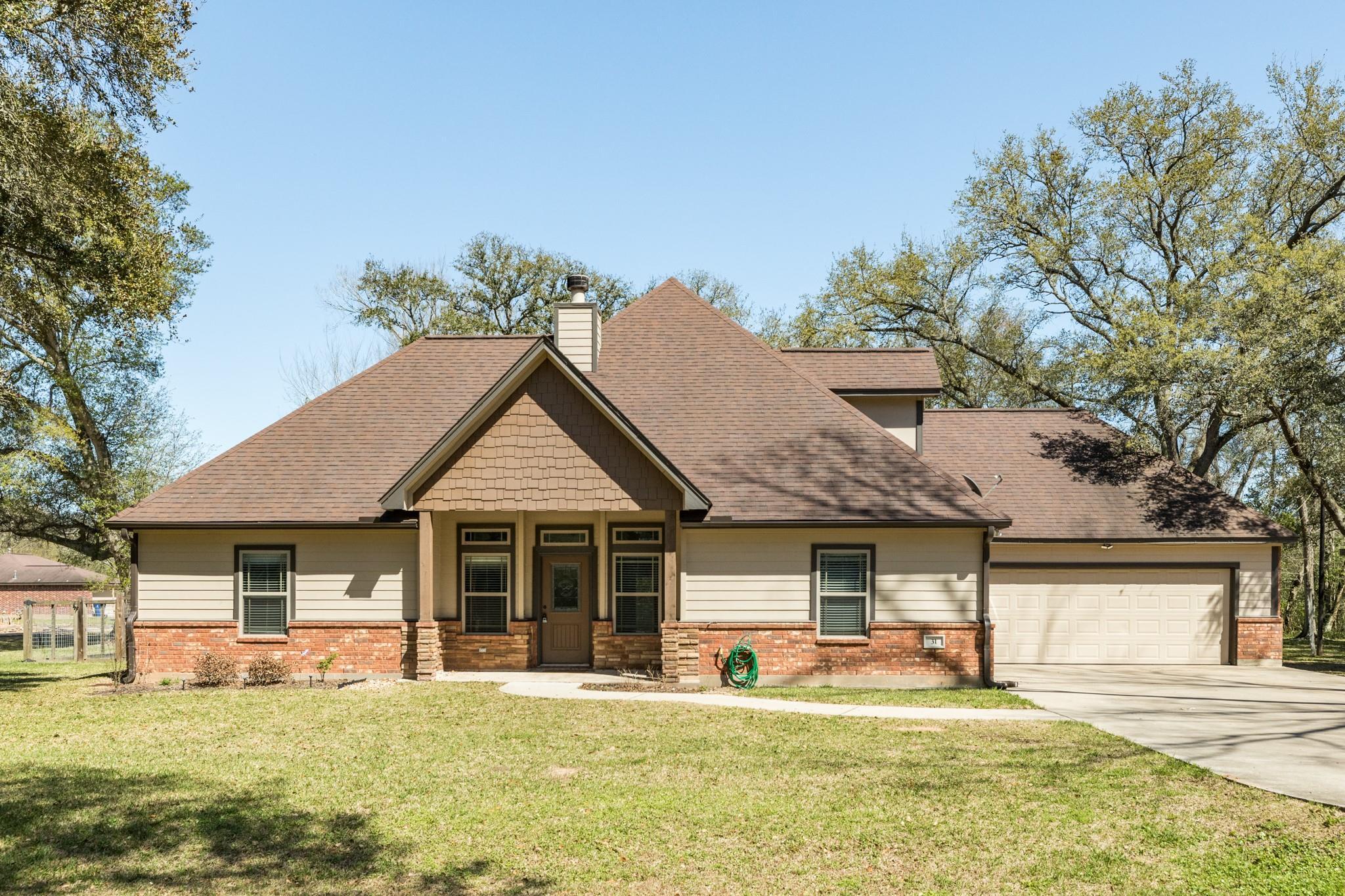 31 Nelson Court Property Photo - Jones Creek, TX real estate listing