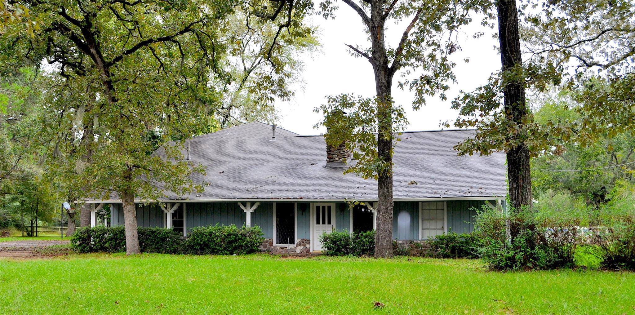 8402 Matthews Lane Property Photo