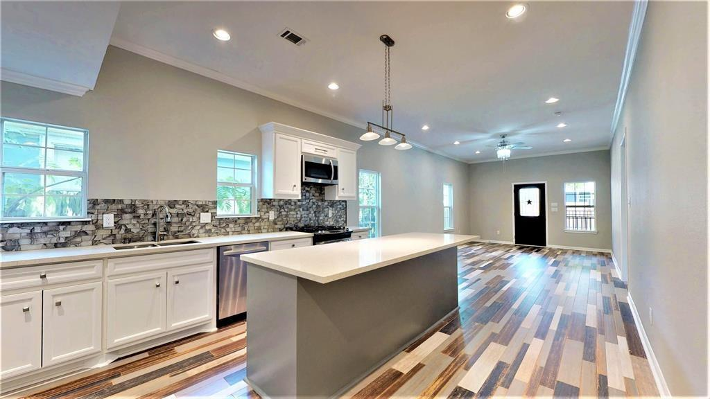 1917 Chestnut Street, Houston, TX 77009 - Houston, TX real estate listing
