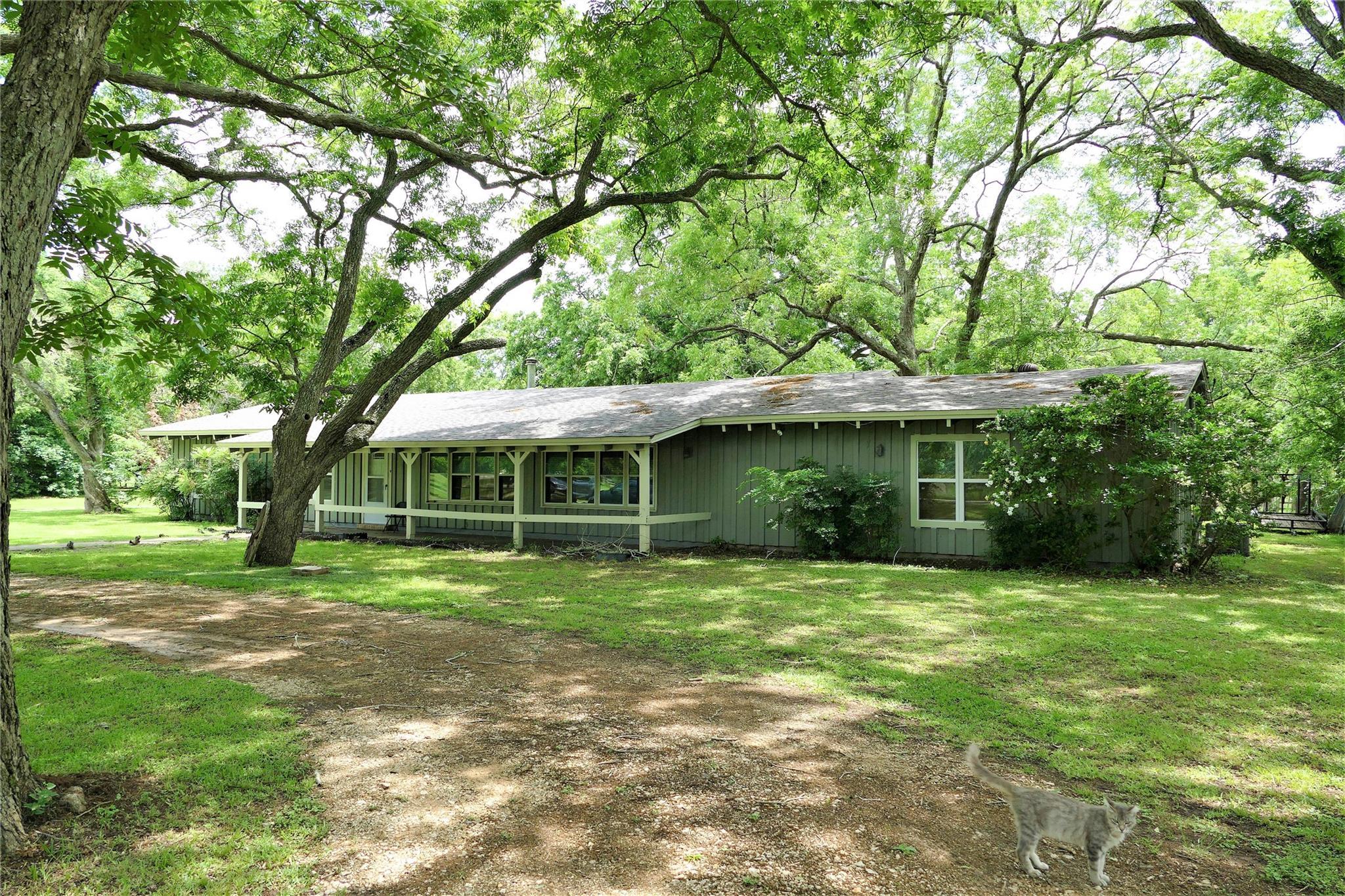 37911 Longhorn Drive Property Photo