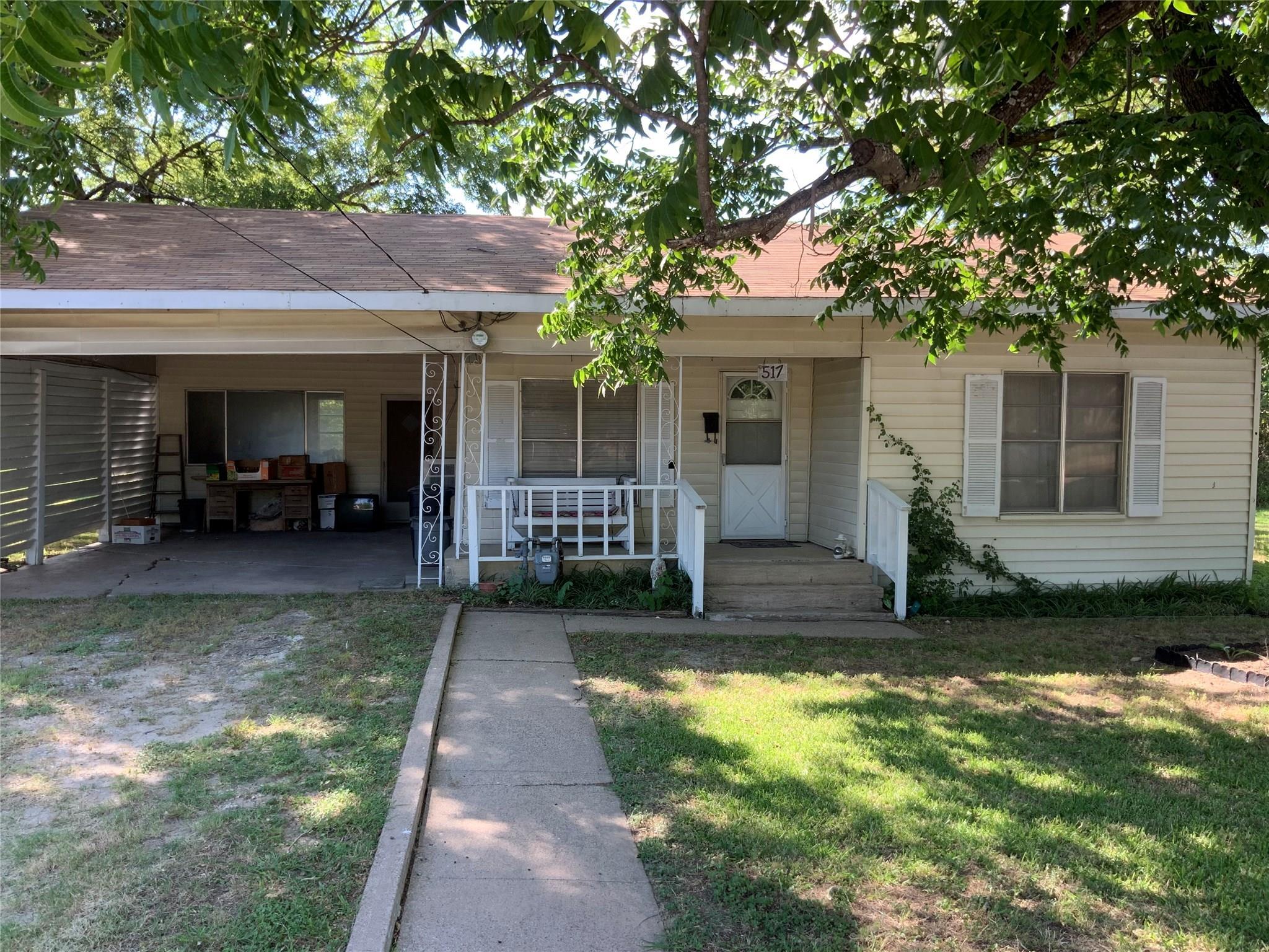 517 N Ellis Street Property Photo - Groesbeck, TX real estate listing