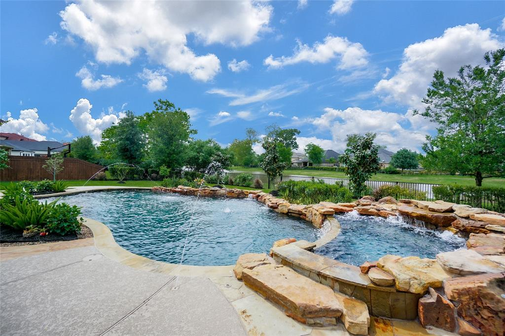 43 Heights Creek Drive Property Photo - Missouri City, TX real estate listing