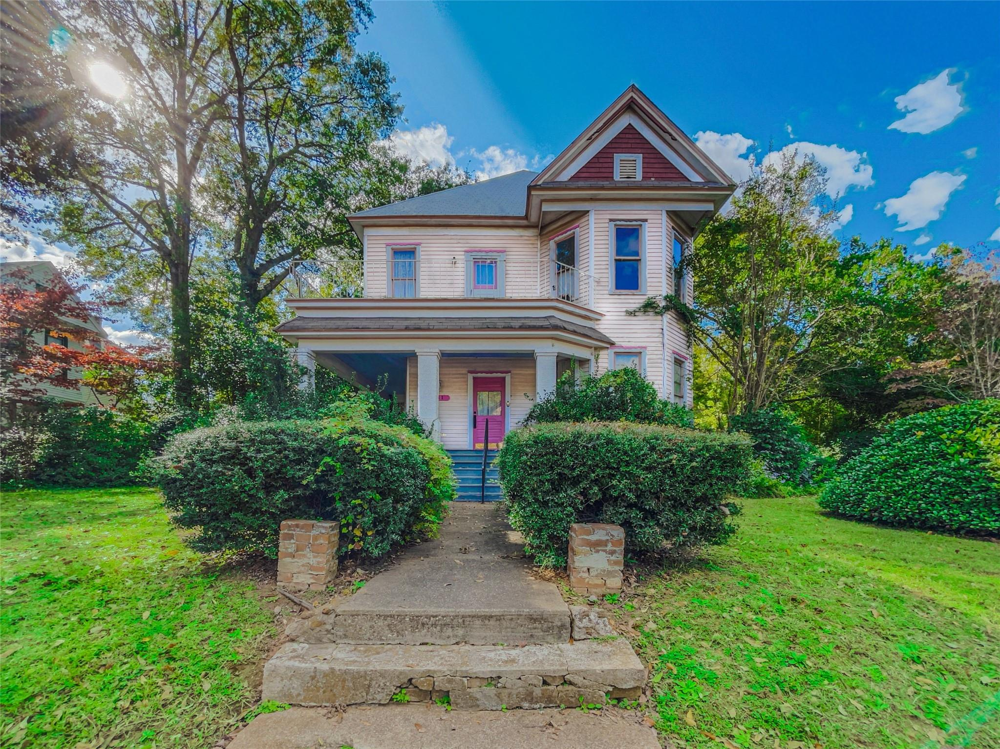 911 N Sycamore Street Property Photo - Palestine, TX real estate listing
