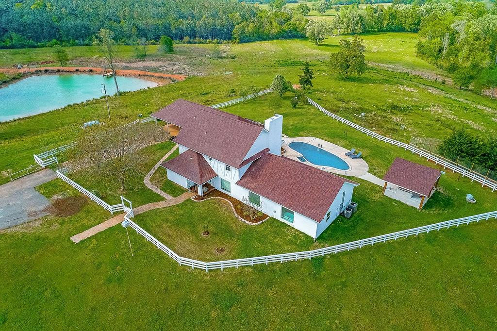 2832 Rifle Road Property Photo - Pollok, TX real estate listing