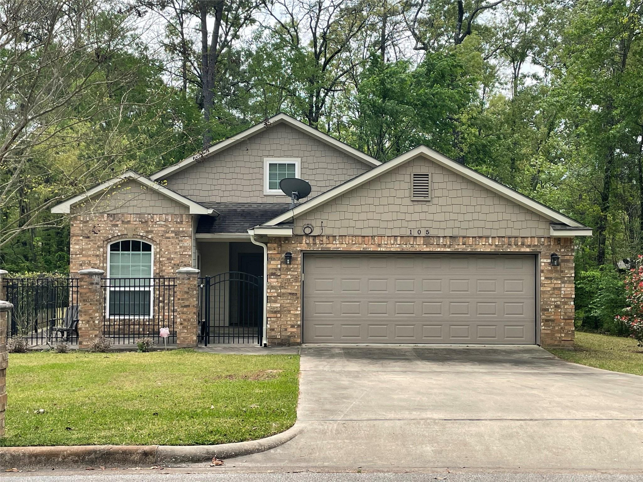 105 Bending Oak Street Property Photo - Lufkin, TX real estate listing