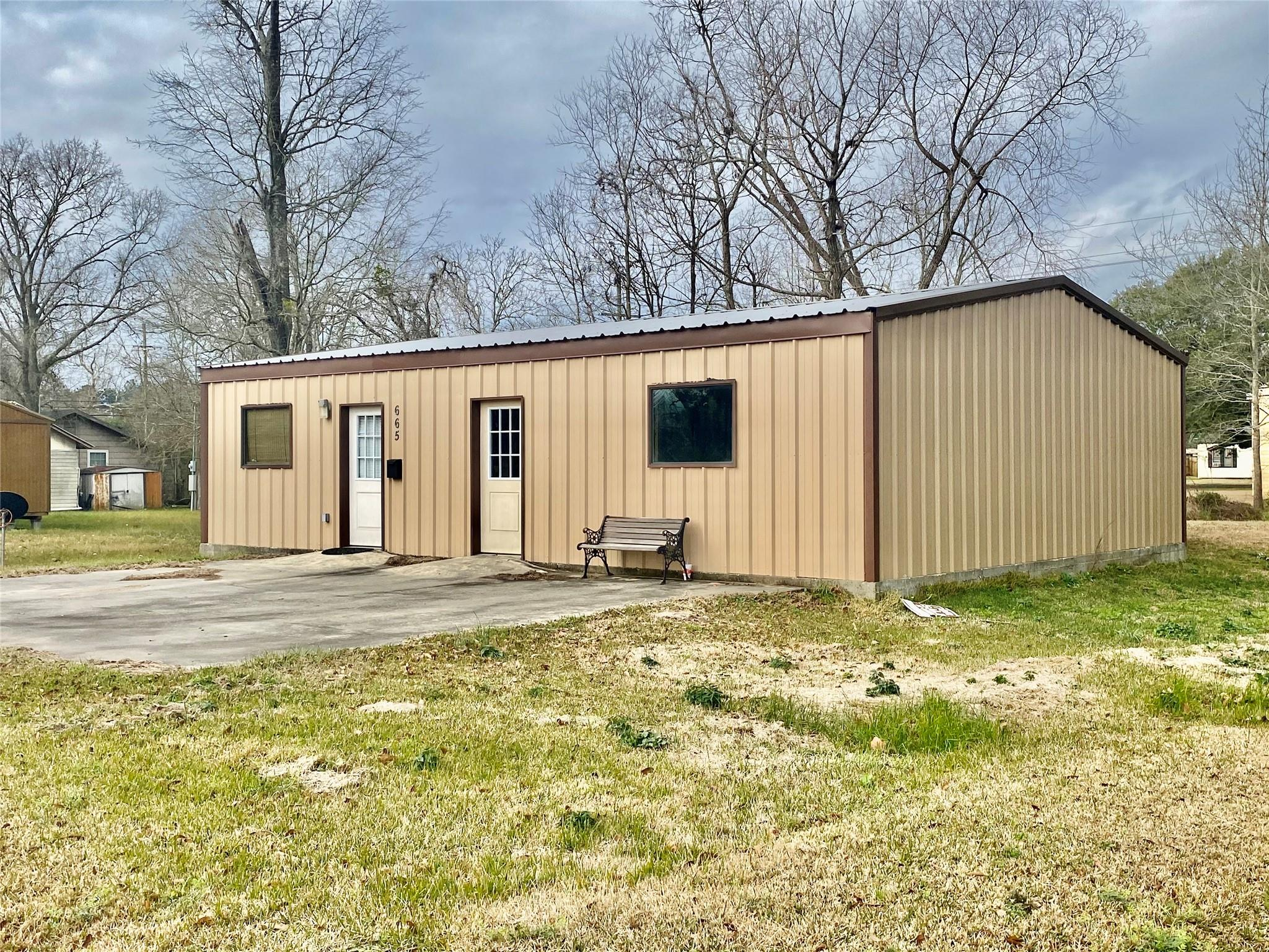 665 N 6th Street Property Photo