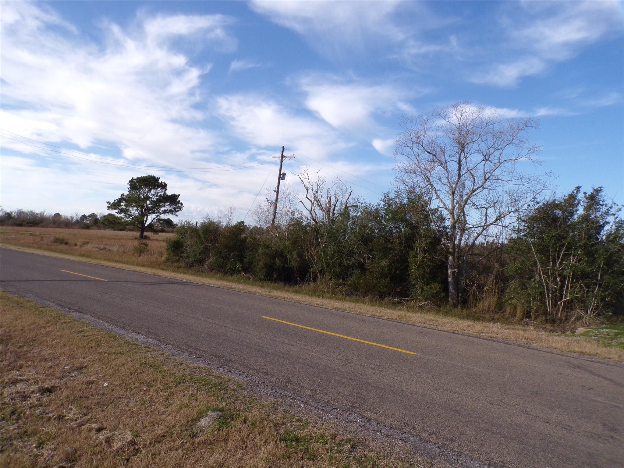000 W Bayshore Road Property Photo - Anahuac, TX real estate listing